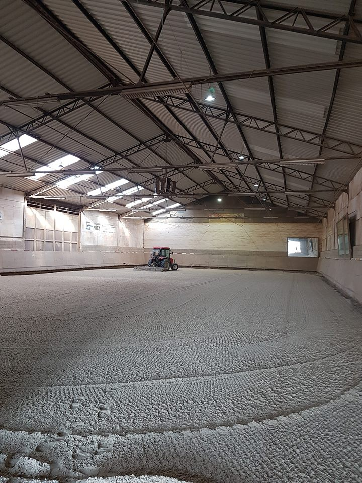 neuer Hallenboden