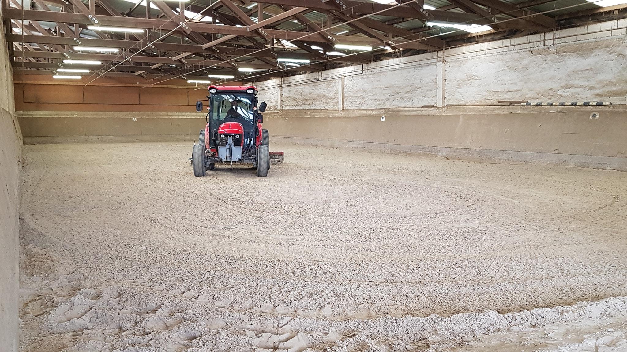 Kleine Reit- und Longierhalle 38 x 15 m